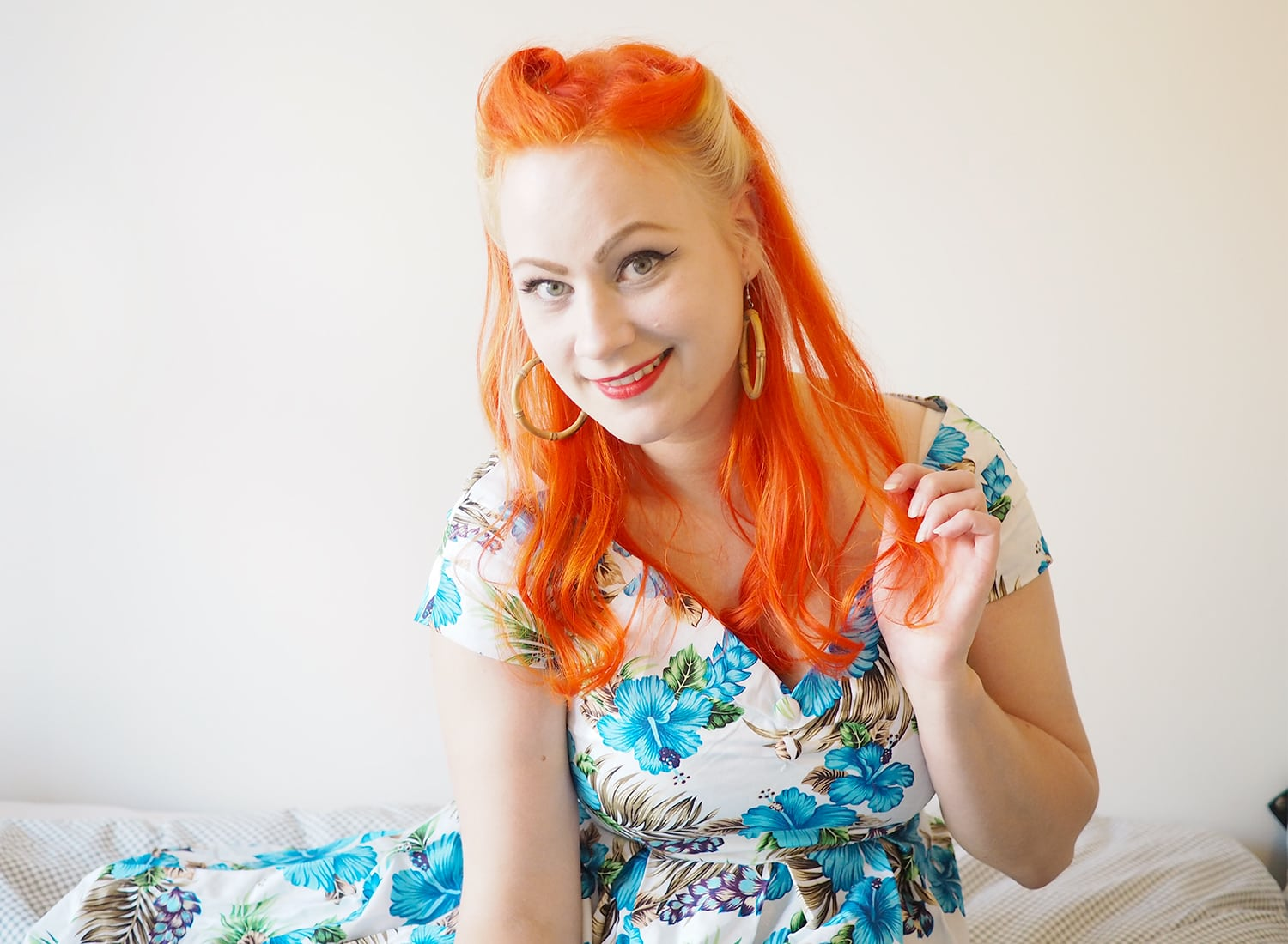 AlexiaDahl.com - How i do my victory rolls